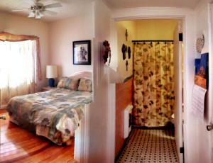 Bedroom & Bathroom in Pancho Villa Suite - Alamo Inn - Alamo TX - December 2012